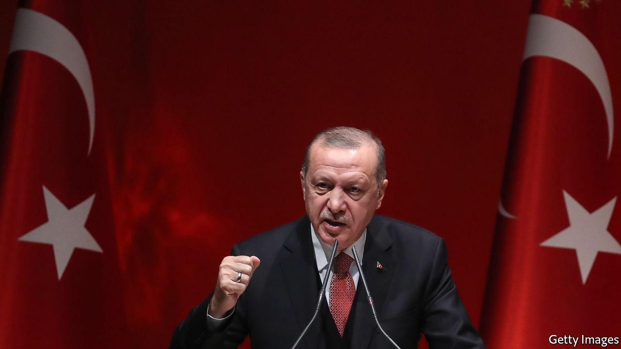 """Menaces de sanctions contre Ankara : """"Ne cherchez pas querelle à la Turquie"""", lance Erdogan à Macron"""